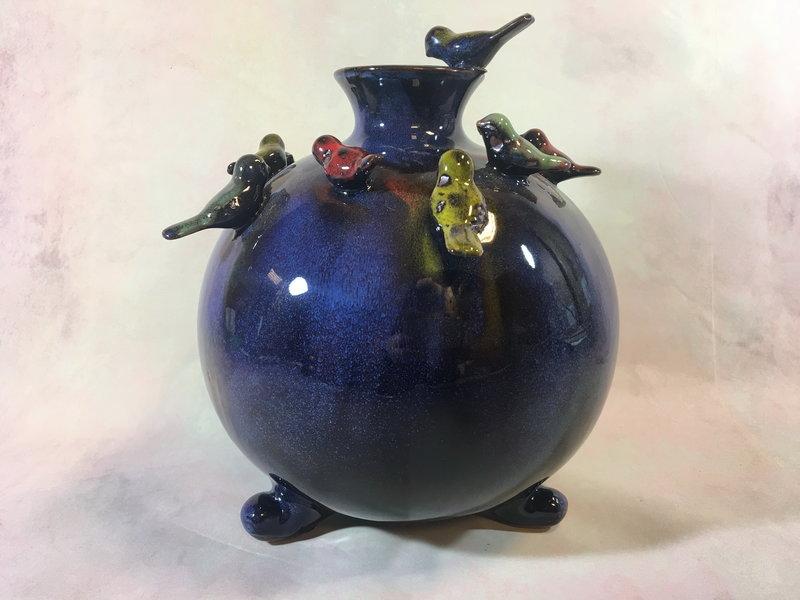 Daan Kromhout Cerámica, jarrón redondo con pájaros