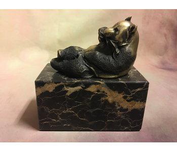 Bronzen pandabeer, liggend
