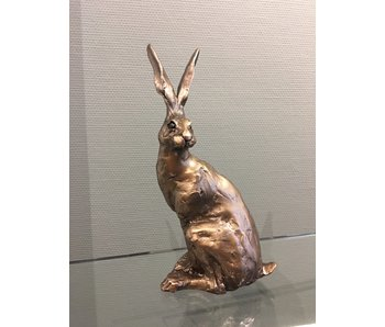 Frith Hare sculpture, sitting