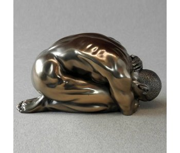 BodyTalk Culturismo Escultura, hombre arrodillado - M