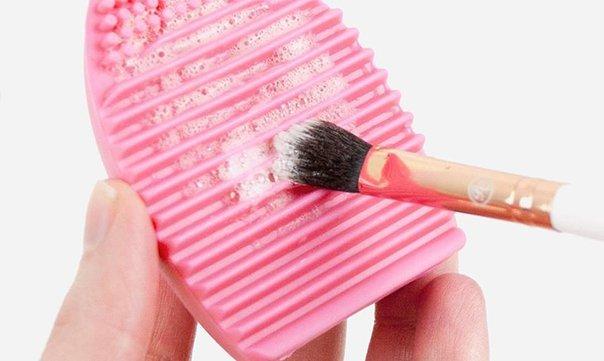 Hoe maak ik make-up kwasten schoon?