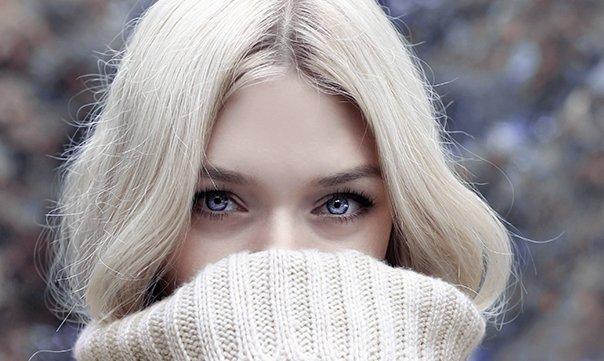 Welke kleuren passen het beste bij blond haar?