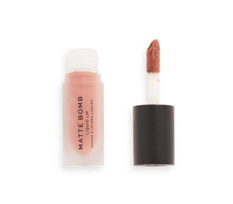 Makeup Revolution Matte Bomb Delicate Brown