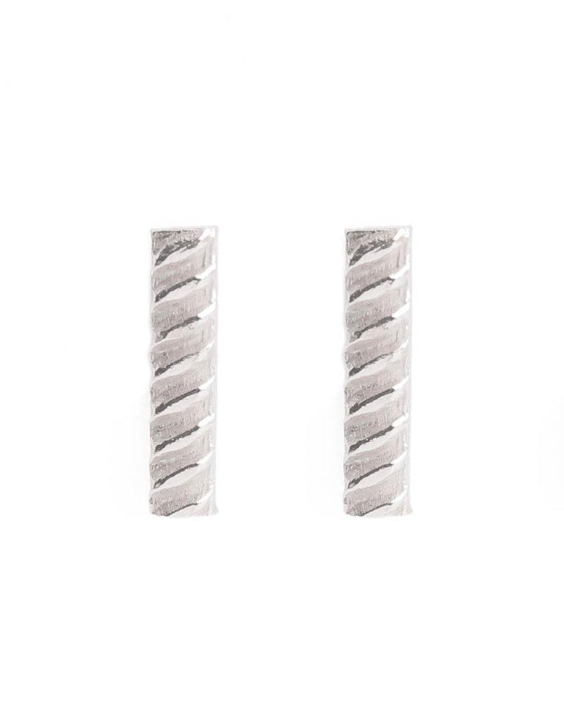 Muja Juma earring stud braided bar