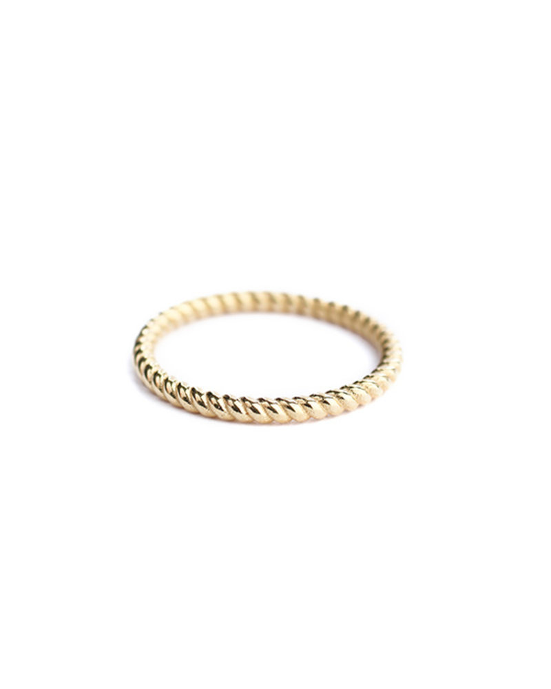Muja Juma Ring plain twisted gold plated 925 sterling silver