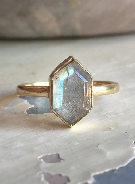 Muja Juma Ring Fancy Diamond Labradorite