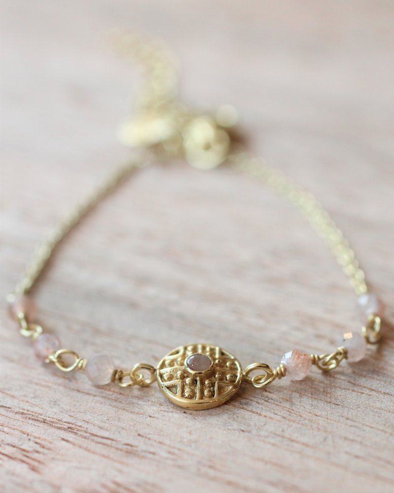 Muja Juma Bracelet Rose  Labyrinth coin gold plated with peach moonstone
