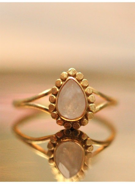 Muja Juma Ring Moonstone Flower