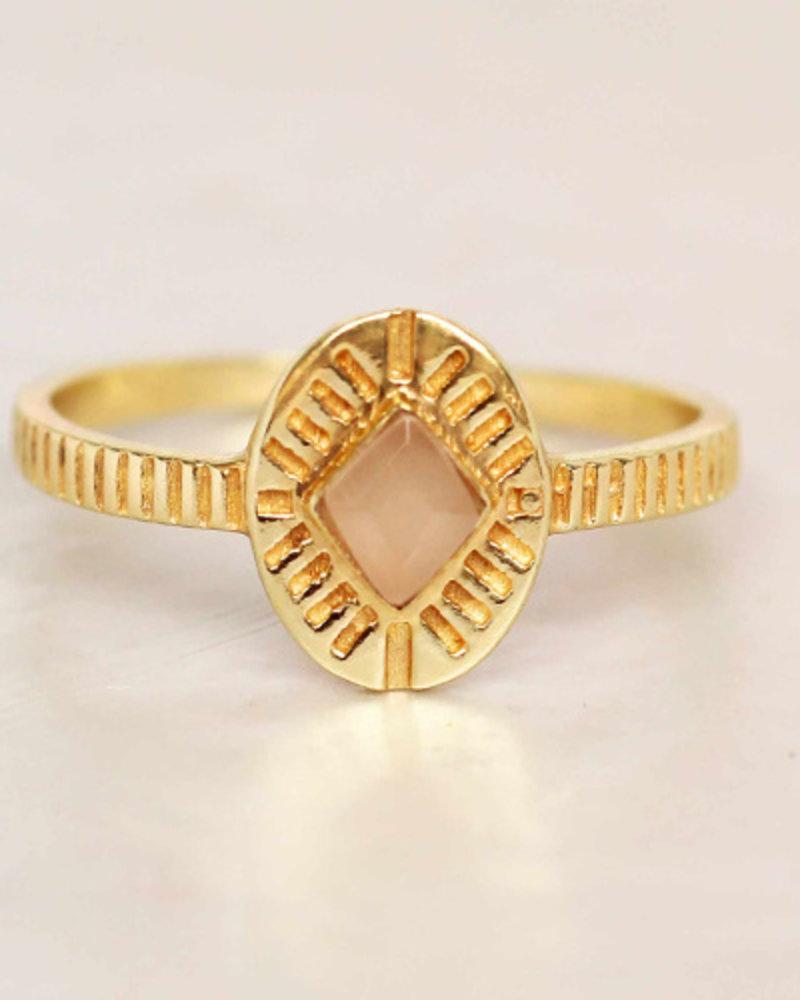 Muja Juma Ring Diamond Striped Peach Moonstone gold plated