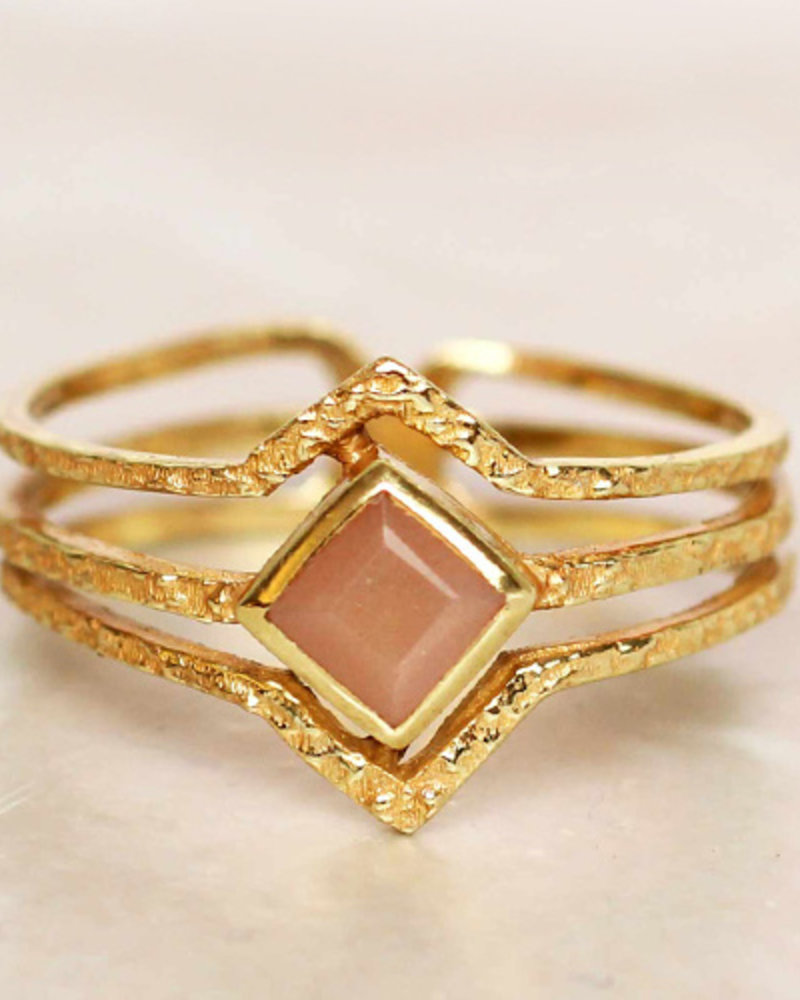 Muja Juma Ring Diamond three bands peach moonstone gold plated