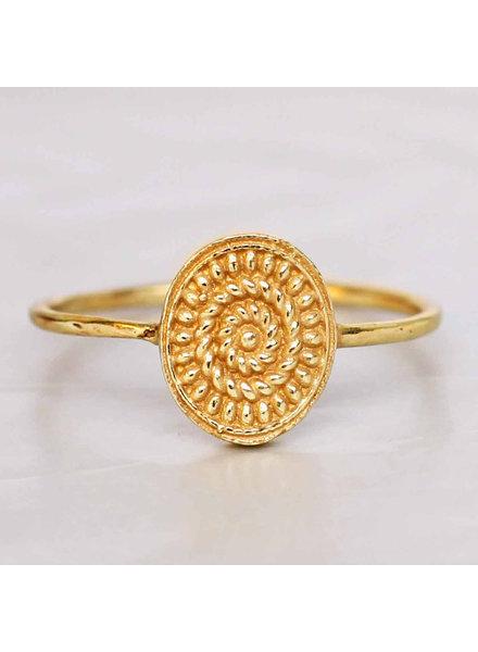 Muja Juma Ring fancy oval maze