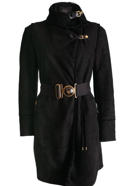 Gucci Gucci, black suede lammy coat with shearling wool and golden stretch belt in size 40/XS.