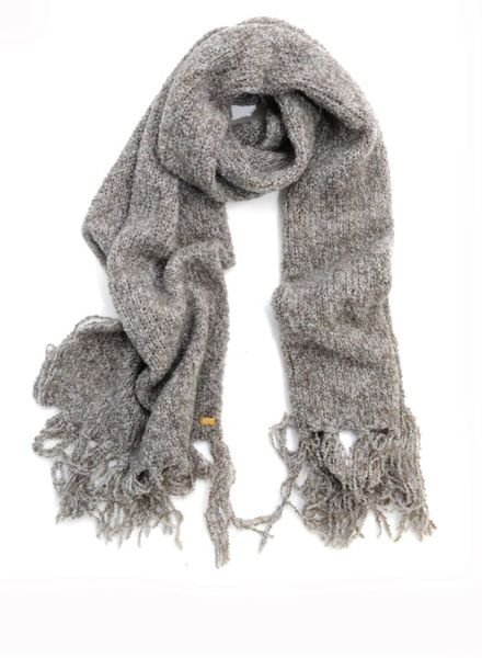I Love My Moment Luxury I Love my Moment Luxury, grey scarf from the home collection.