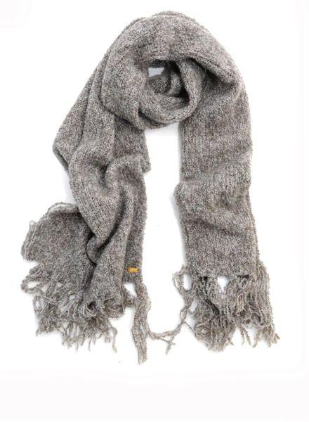 I Love My Moment Luxury I Love my Moment Luxury, grijze shawl van de home collectie.