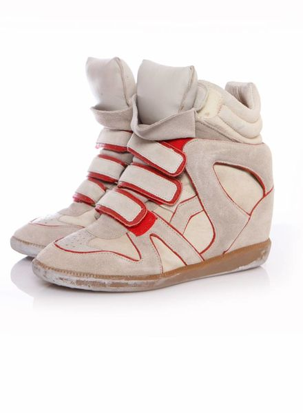 Isabel Marant Isabel Marant, sand coloured sneaker wedge with red details in size 38.