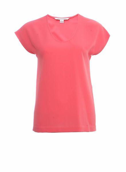Diane VonFurstenberg Diane Von Furstenberg, roze pastelkleurige top.