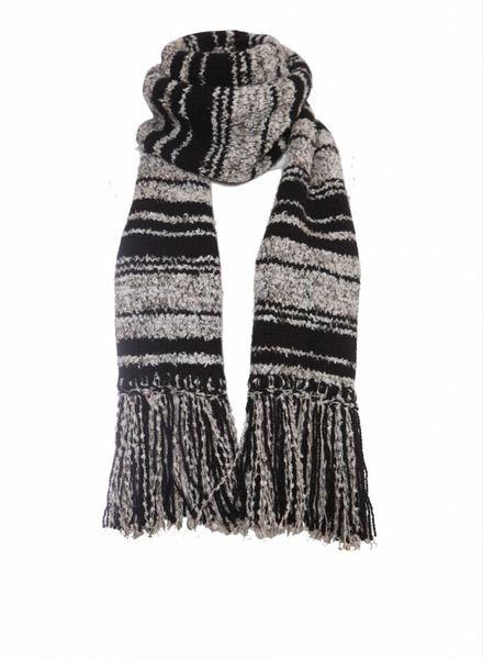 Chanel Chanel, zwart/grijze cashmere boucle shawl met franjes.