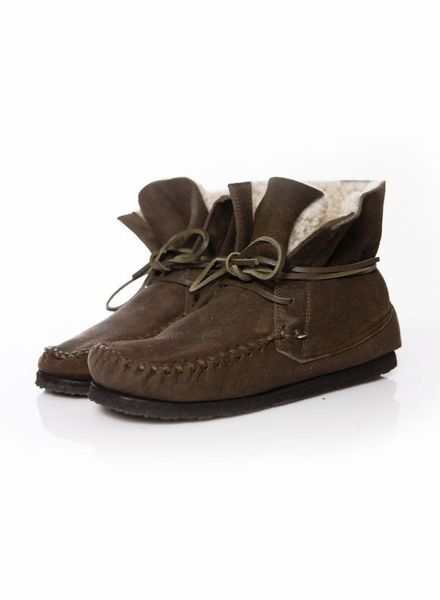 Isabel Marant Etoile Isabel Marant Etoile, Minnetonka boots on brown suede with shearling in size 38.