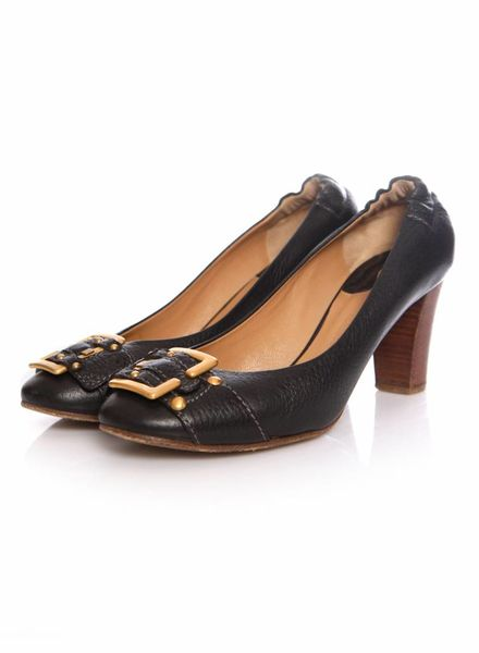 Chloé Chloe, Pebbled leather pumps with a wooden heel in size 38.