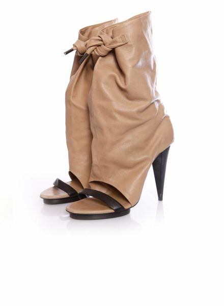 Balenciaga Balenciaga, camel colored leather peep-toe boots in size 39 (with a leather strap on the inside).