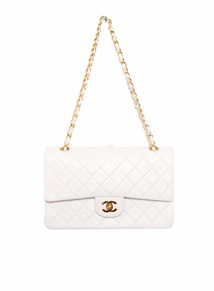 Chanel Chanel, timeless white 2.55 double flap bag with gold hardware (vintage).