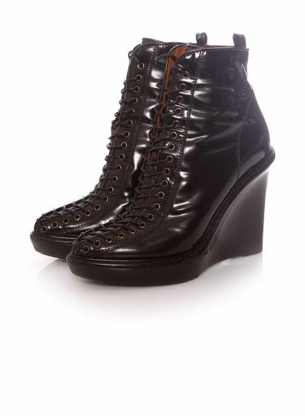 Givenchy Givenchy, zwart lakleren veter sleehak in maat 39.
