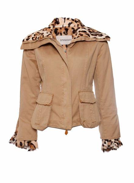 Ermanno Scervinno Ermanno Scervino, camelkleurige jas gevoerd met luipaard print in ponyskin in maat IT42/S.