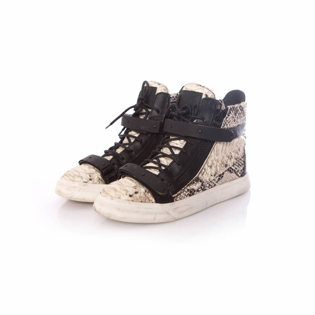 the best attitude 5a848 a57fb Giuseppe Zanotti, black leather python sneakers in size 39.