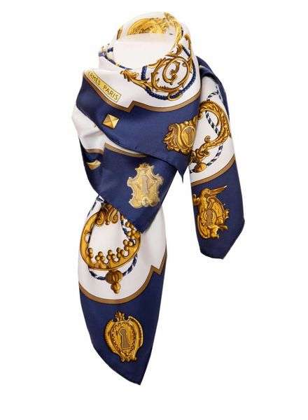 Hermes Hermes, Tijdloze zijde shawl in blauw/wit/goud.