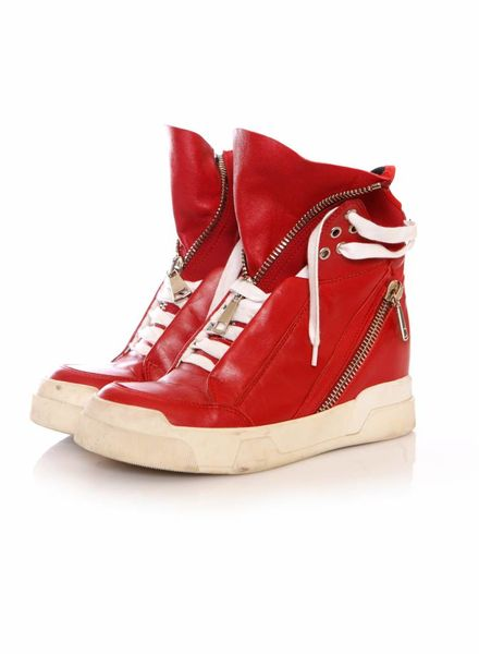 Elena Iachi Elena Iachi, High-top sneakers in rood leer.