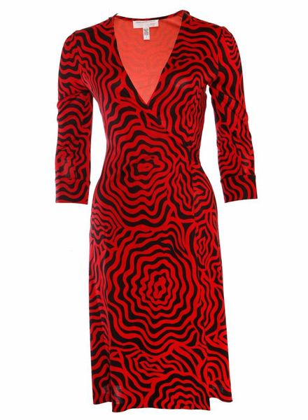 Diane VonFurstenberg Diane Von Furstenberg Vintage, wrap dress with black/red print in size 6/S.