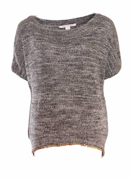 Diane VonFurstenberg Diane Von Furstenberg, grijs wollen trui met gouden ketting en 2 zakjes in maat P/XS.