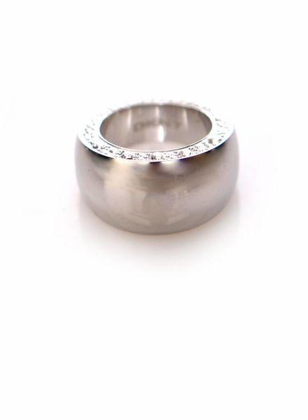 DKNY  DKNY, zilveren ring met steentjes.