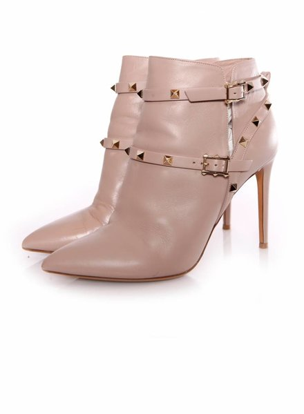 Valentino Valentino Garavani, rockstud ankle boots in old pink in size 39.5.