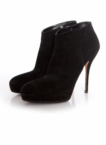 Gucci Gucci, pointed black suede ankle boots with platform in size 39.5.