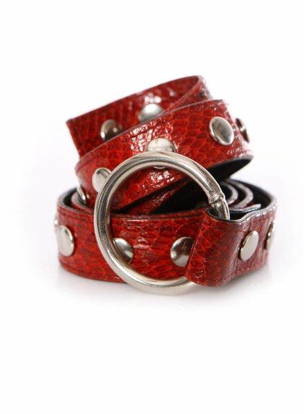Carla V Carla V, rode slangenhuid riem met zilverkleurige drukknopen in maat M.