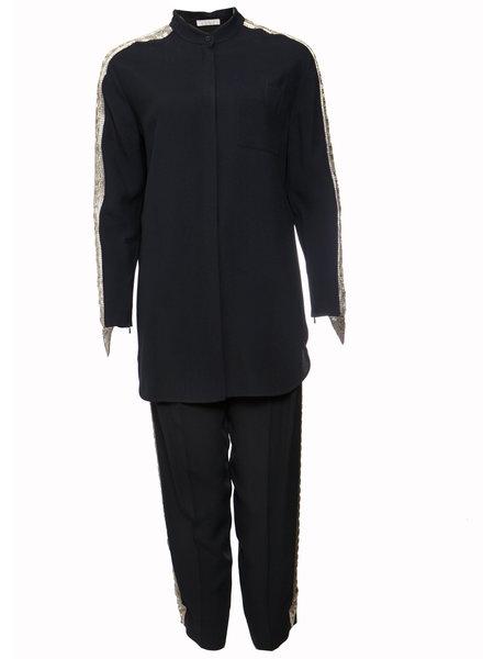 Chloé Chloe, Donkerblauwe pantalon (36/XS) en bloes (38/S) met zilverkleurig borduurwerk langs de mouwen en pijpen.