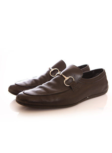 Gucci Gucci, black leather loafers with silver horsebit.