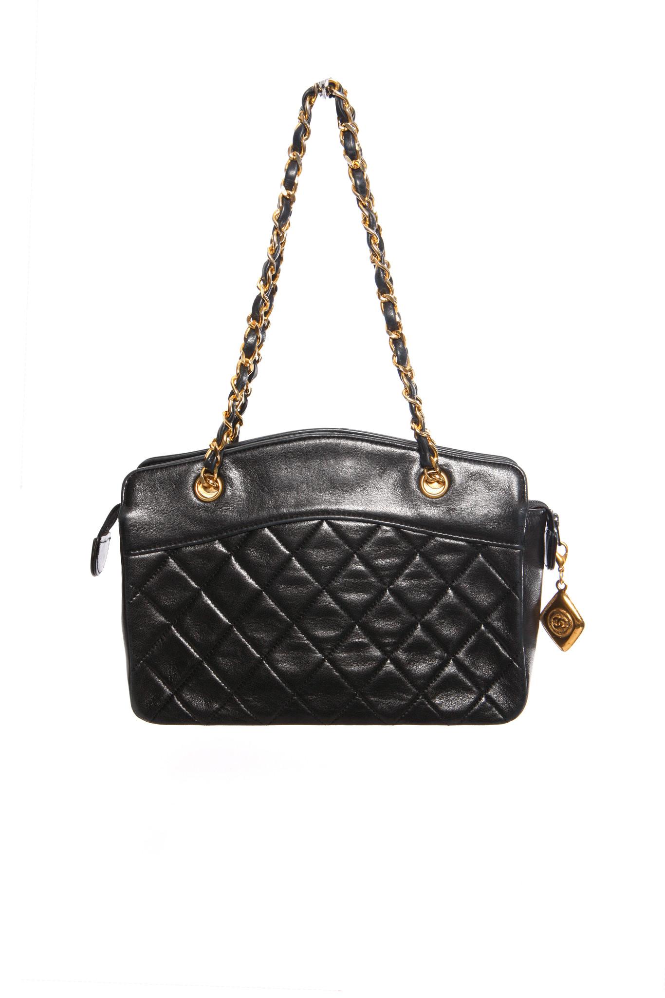 Verbazingwekkend Chanel, Vintage mini-zwarte lamsleren gewatteerde handtas met FG-58