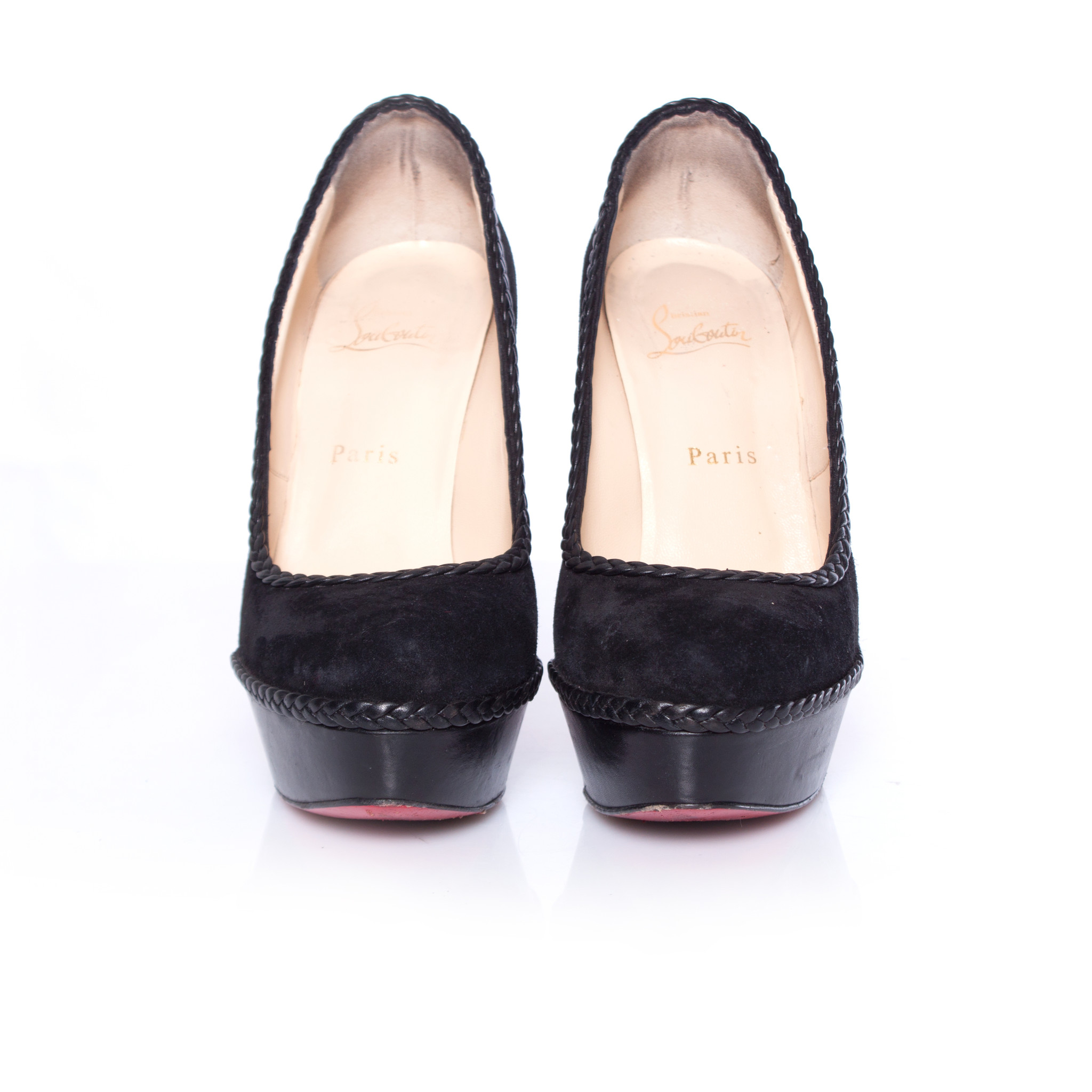 official photos f60bf e0d2e Christian Louboutin, Black leather/suede braided Vizir pumps in size 38.5.