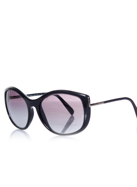 Prada Prada, Black sunglasses. This item has 2 scratches on the left lens further in good condition.