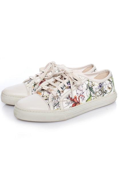 Gucci Gucci, White canvas flora sneaker in size 38.