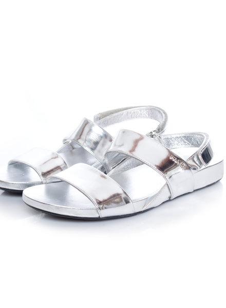 Prada Prada, metallic leren sandalen met dubbele band in maat 38.5.