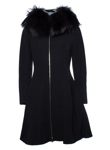 Prada Prada, zwarte nylon jas met bontkraag met capuchon in maat IT42/S.