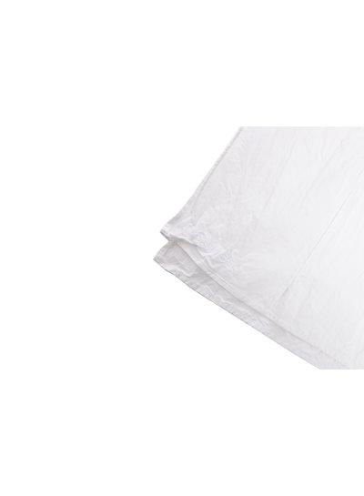 DAS WERK, White top with wrinkle effect.