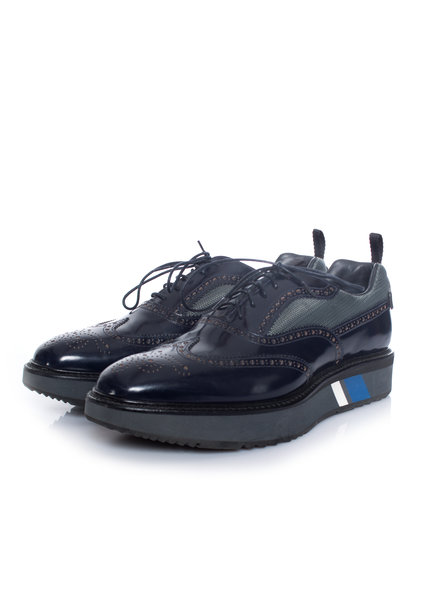 Prada Prada, Micro sole patent leather lace-up derbies in blue in size 7.5/41.5.