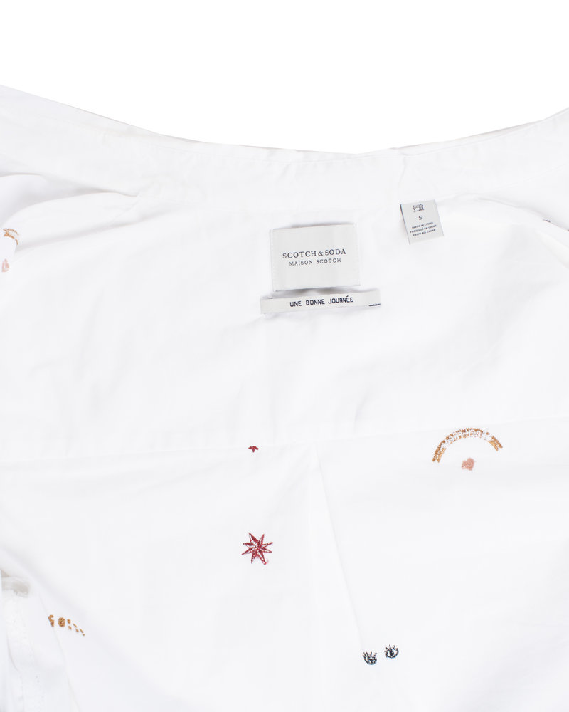 Maison Scotch, White cotton shirt with embroidery in size S.