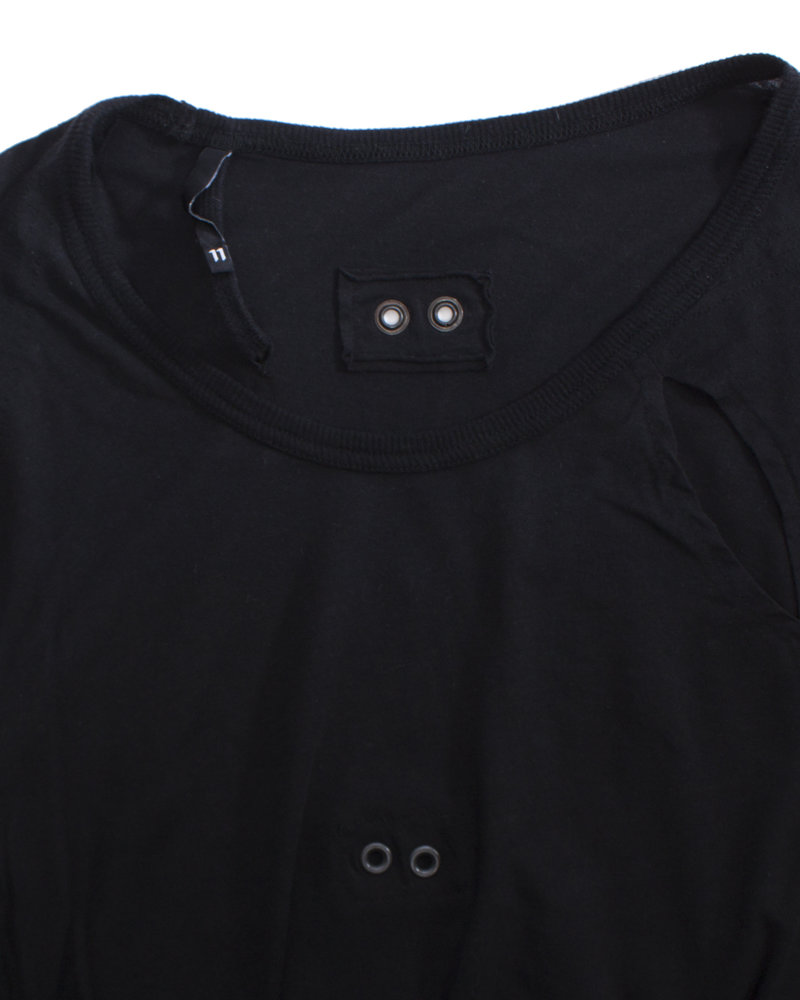 Boris Bidjan Saberi Boris Bidjan Saberi, Black oversized T-shirt with holes in size S.