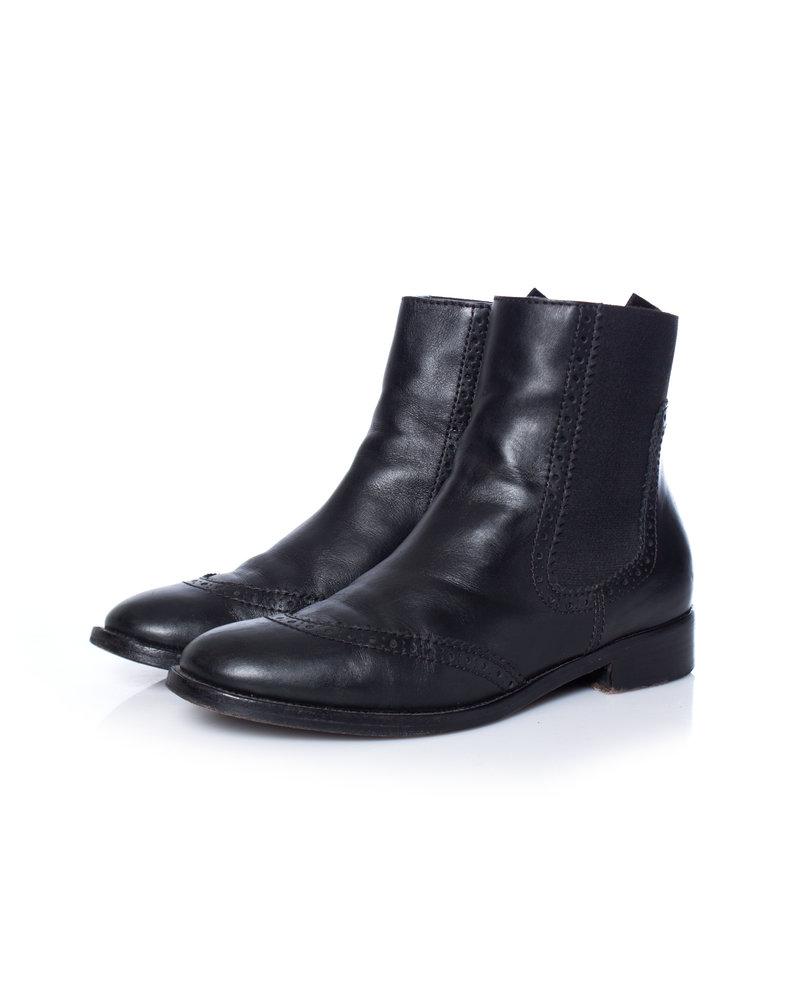 Balenciaga Balenciaga, black leather chelsea boots.