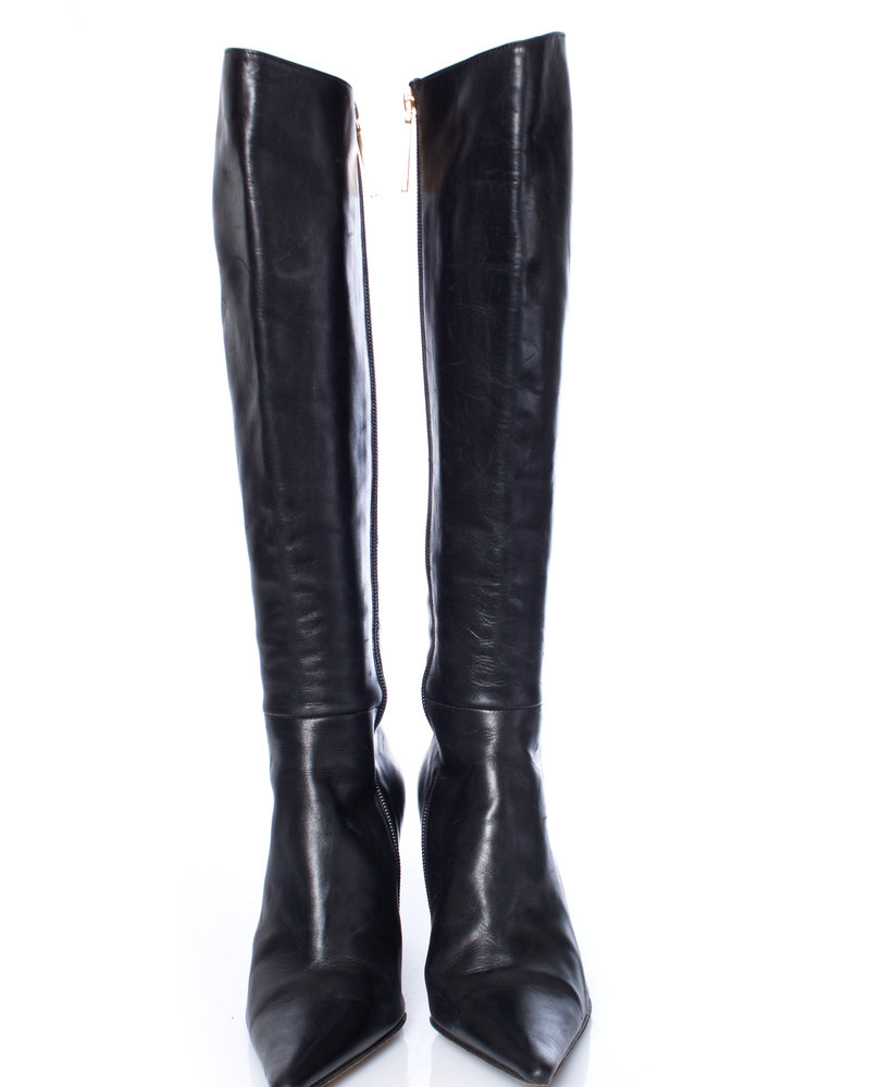 Michel Perry, Black leather boots with pointed toe in size 37.